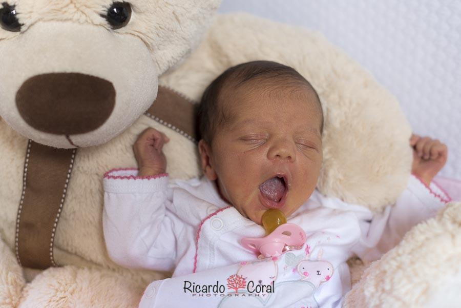 Una pequeña muñeca de 15 dias