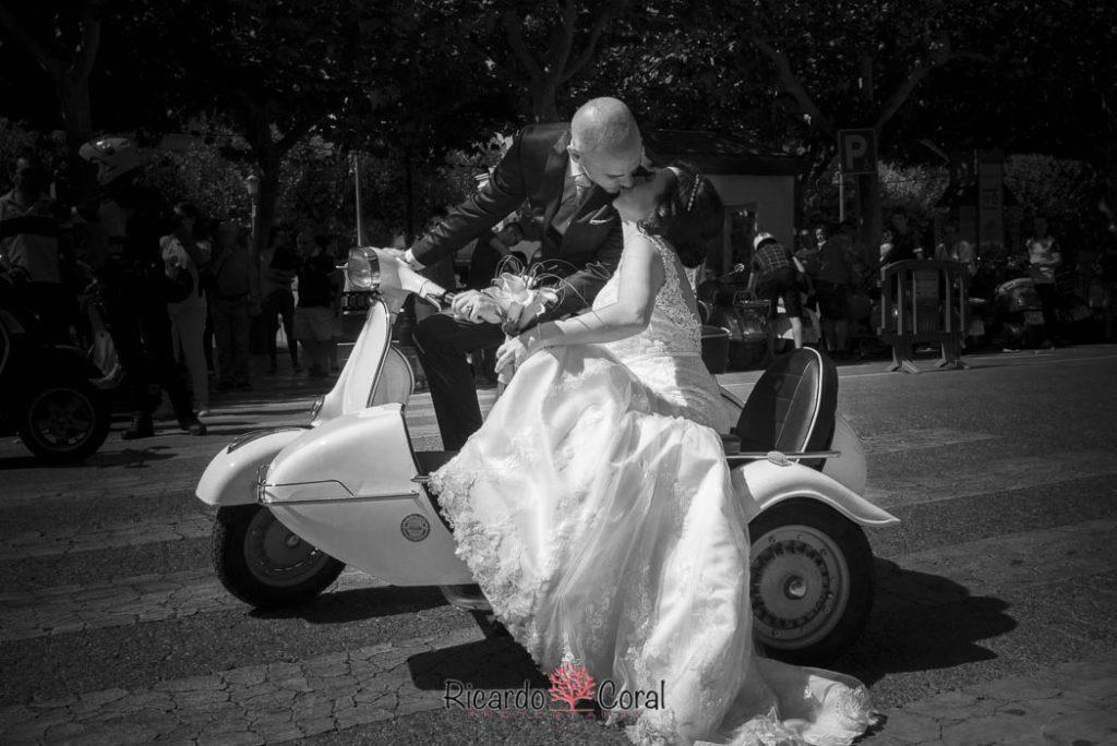 Boda en moto Vespa
