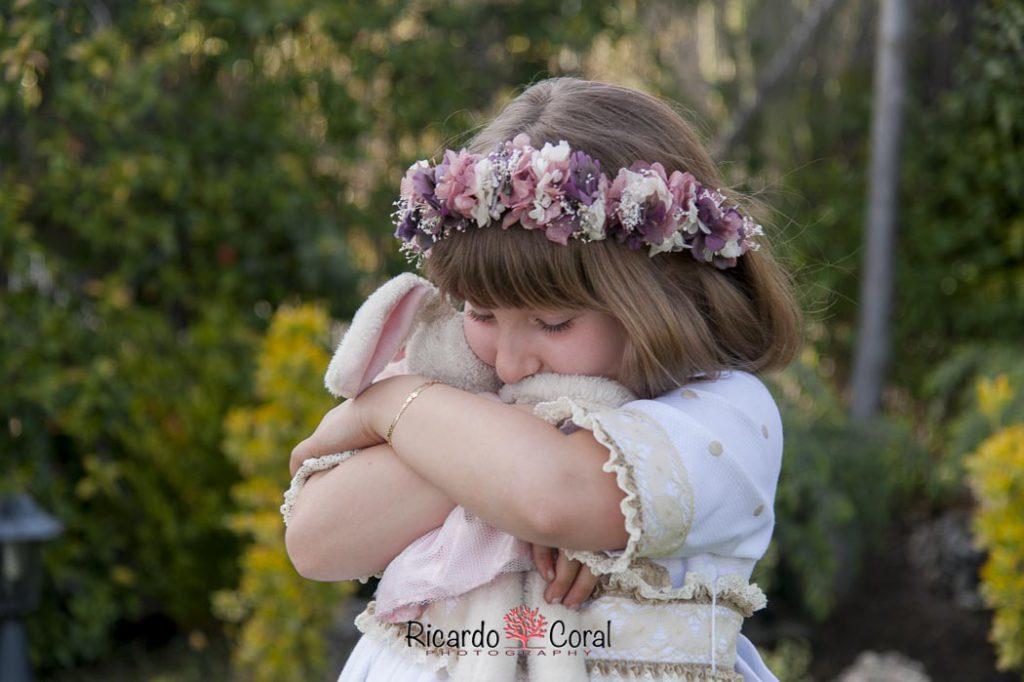 Fotografía de comunión natural y divertida - Ricardo Coral